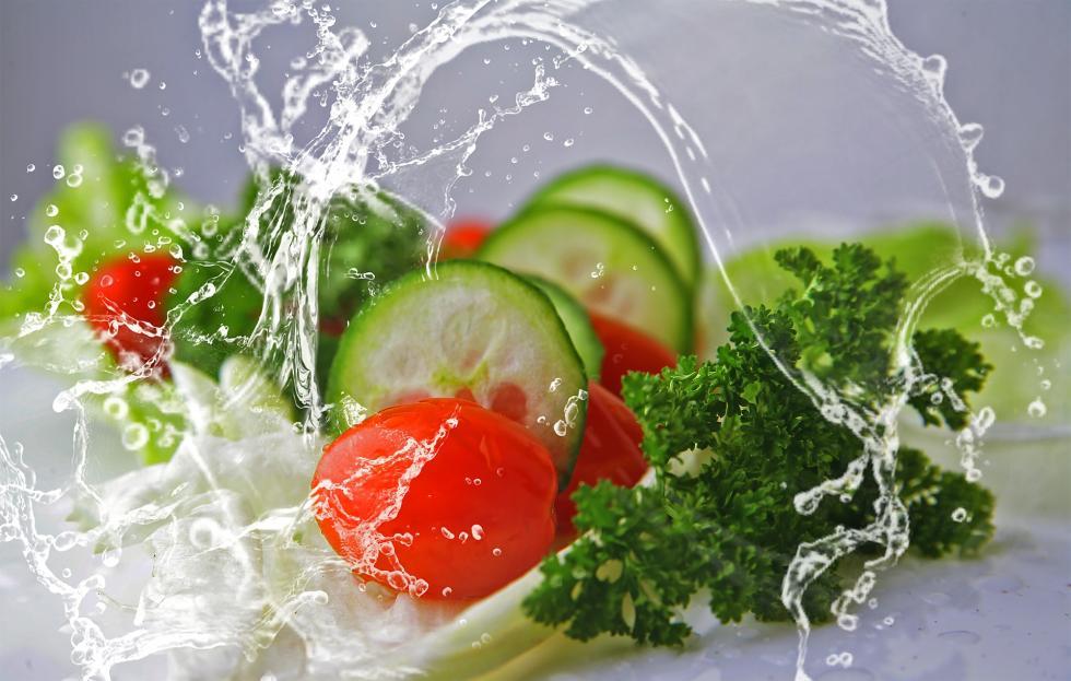 zelenina, okurka, rajče, voda